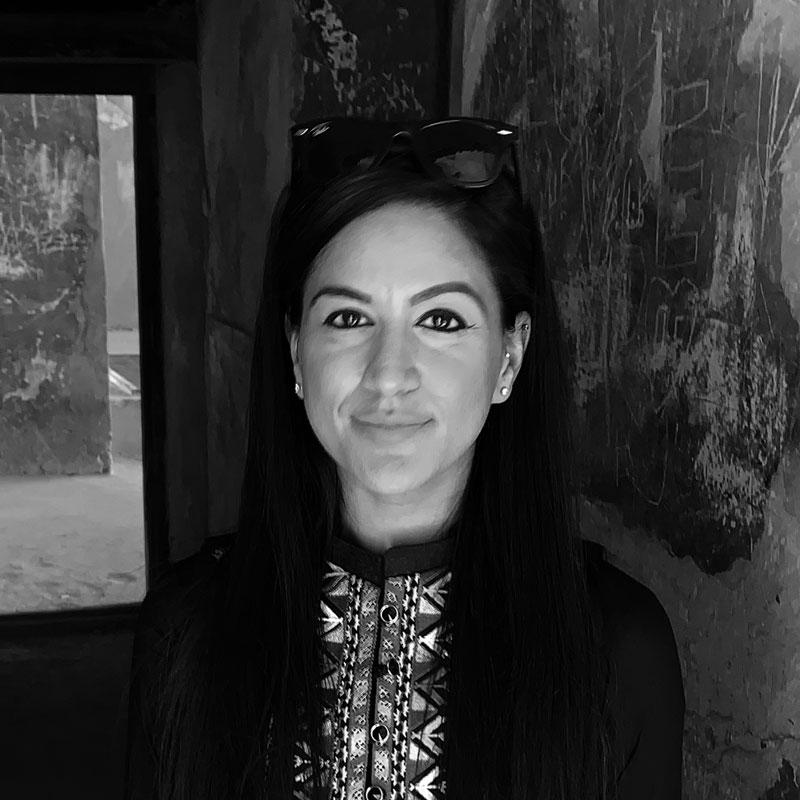 Zainab-Fayaz-_-Marketing-_-Strategic-Director